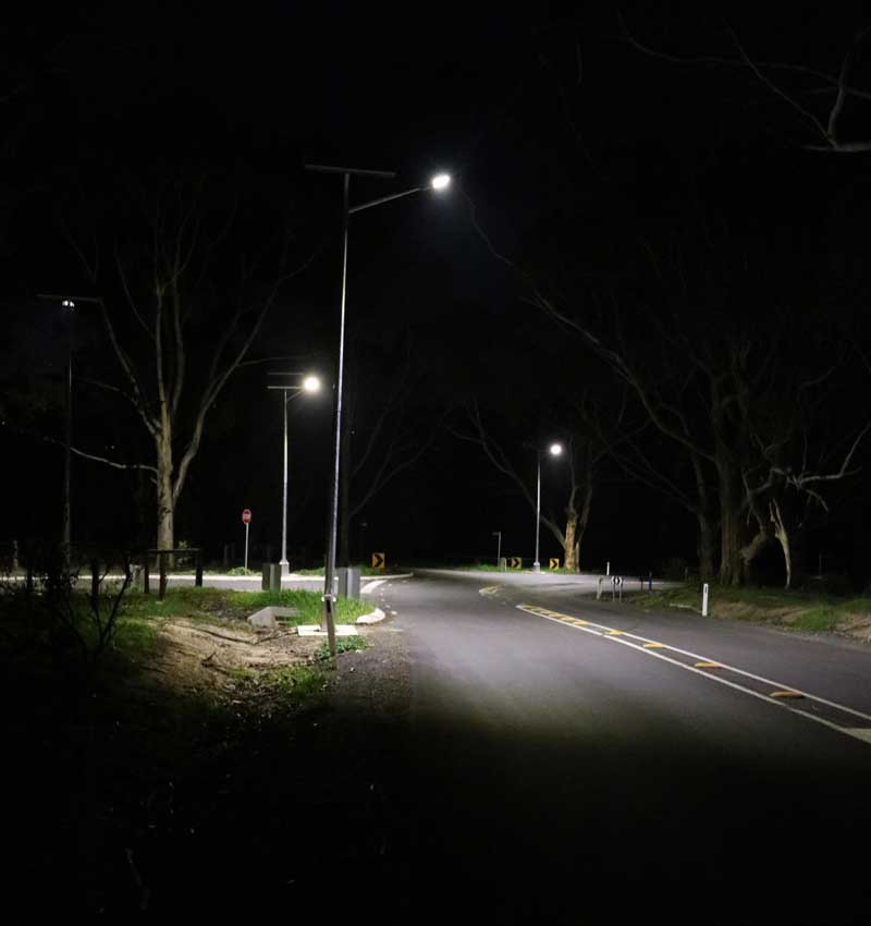solar street lighting of intersection Victor Harbour SA