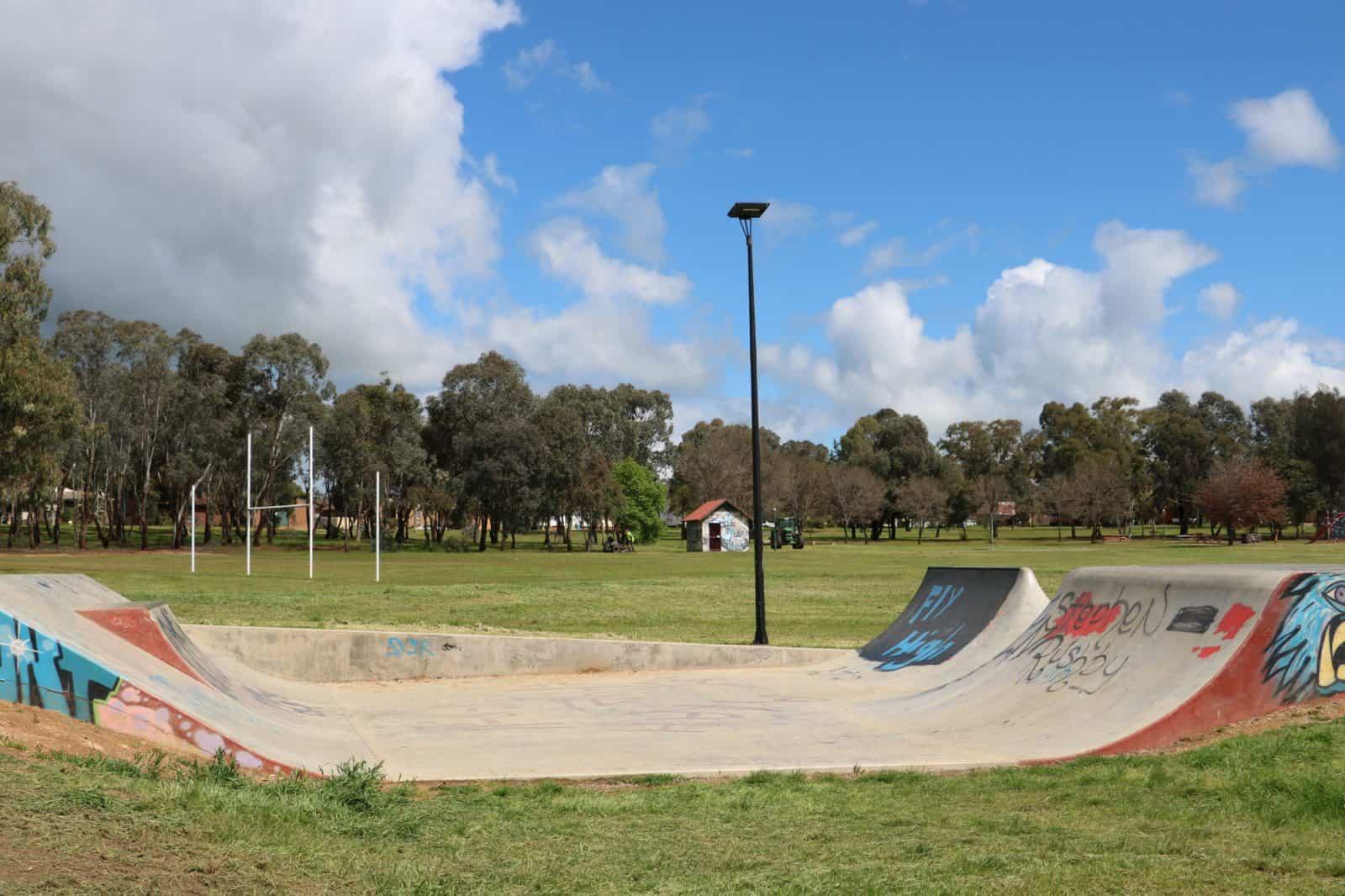 solar-park-lights-wagga-skate-park