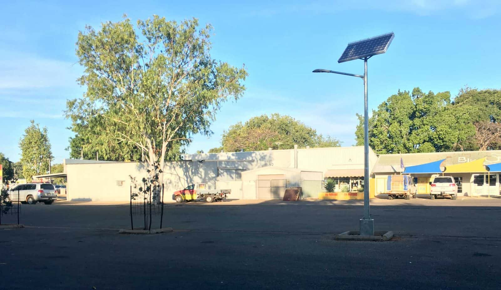 solar street lighting Katherine Town Council