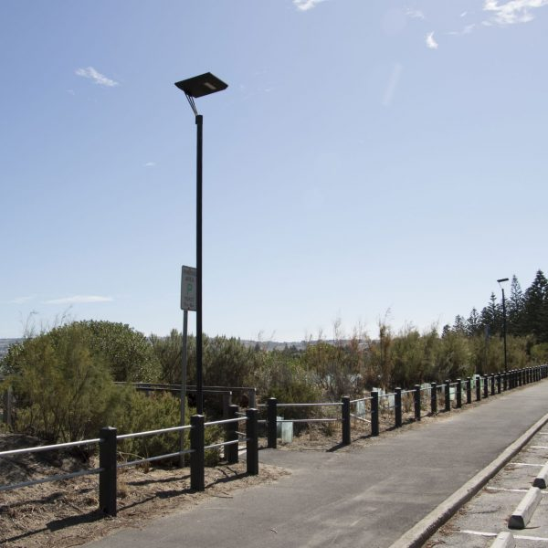 Stealth series solar path lights